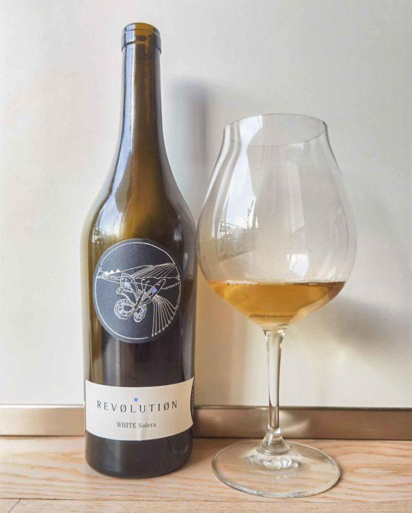 Zillinger White Solera bottle and glass
