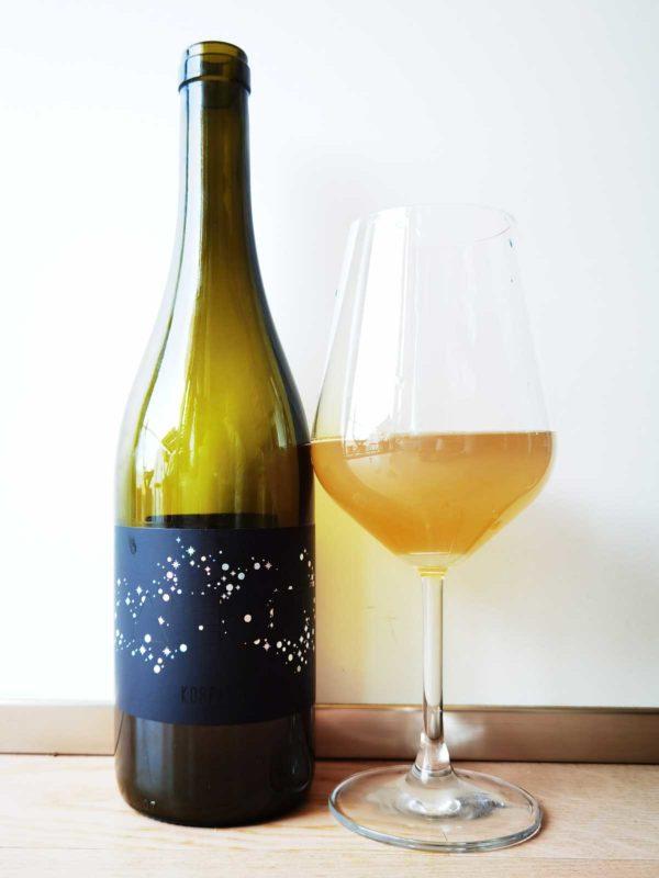Koppitsch Aeon White 2018 Flasche und Glas
